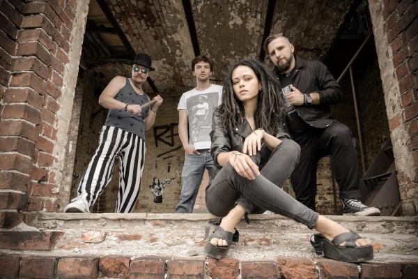 Нуки - сольный проект Дарии Старович