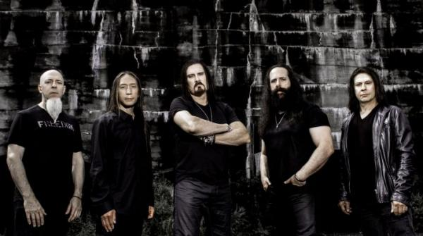 На фото: Dream Theater