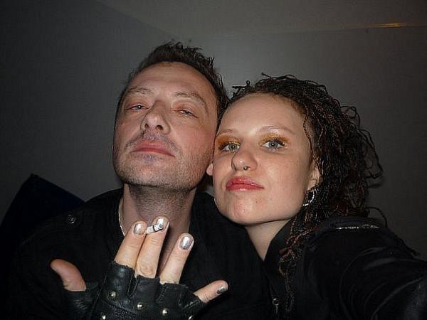 нас глеб самойлов фото с женой этого проста слишком